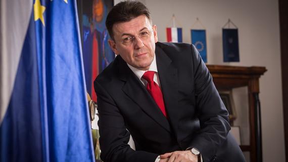 HGK: Nedostatak radne snage riješiti slovenskim modelom