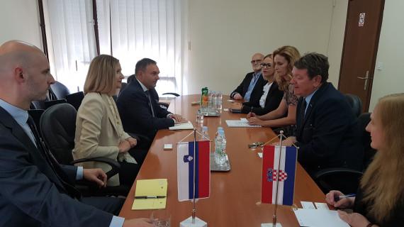 Veleposlanica Republike Slovenije sa suradnicima u posjetu ŽK Šibenik